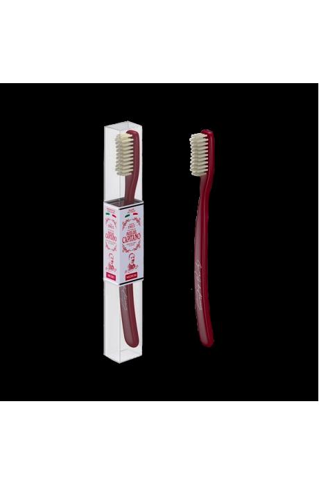 Pasta del capitano 1905 red spickova zubna kefka v obchode Beautydepot